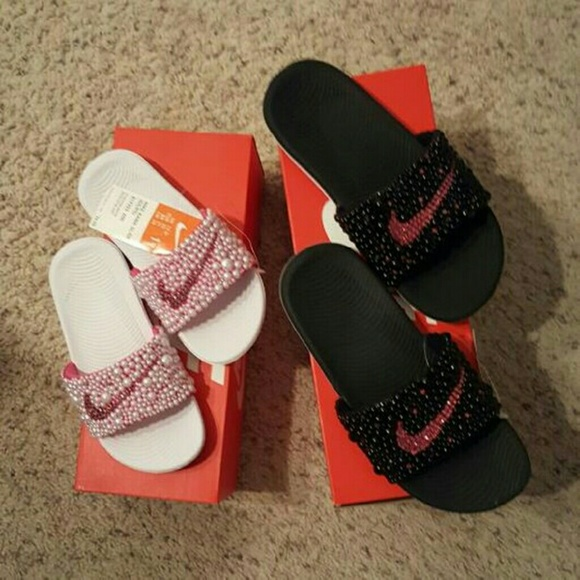 huge selection of 8792e 9d8ce Customized Nike Slippers Boutique