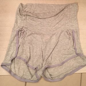 A Pea in the Pod Pants - A Pea in the pod gray soft shorts