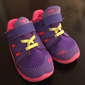❌ SOLD ❌ Nike pink and purple sneaker