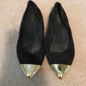 Old Navy black and gold flats