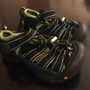 Boys Keen sandal