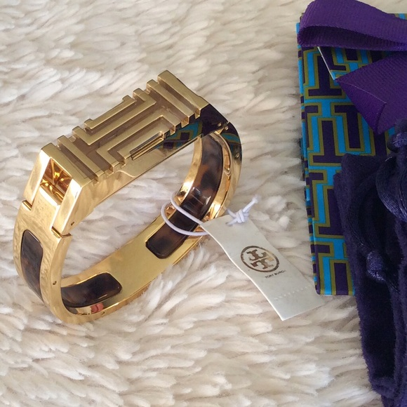 817c0e432e7 TORY BURCH FOR FITBIT RESIN-INLAY HINGED BRACELET
