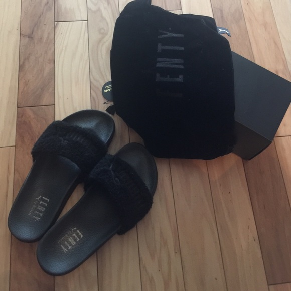 Black fenty puma slippers by Rihanna (real)! 7fad57996