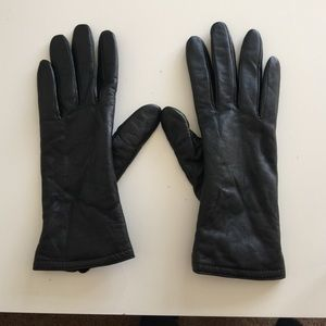 Accessories - Small 100% black leather insulated gloves