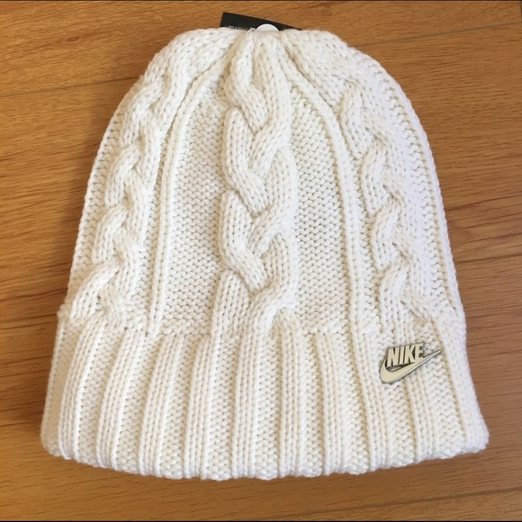 💖Nike White Cable Knit Beanie Hat 0af012f44e4