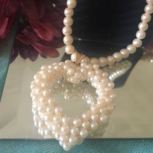 Jewelry - Heart Inspired Pearl Necklace