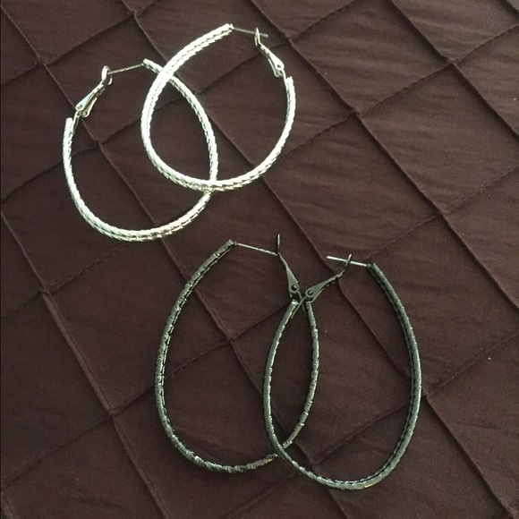 Jewelry - 2 pair earrings. Black and silver