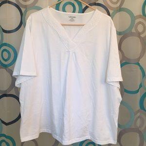 Liz & Me Tops - Liz & Me white top 26/28 soft short sleeve