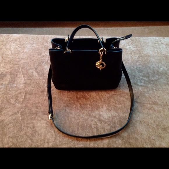 2dcf3c2e8c MICHAEL KORS Anabelle Medium Black Top Zip Tote. M 58263c208f0fc474cd00576d
