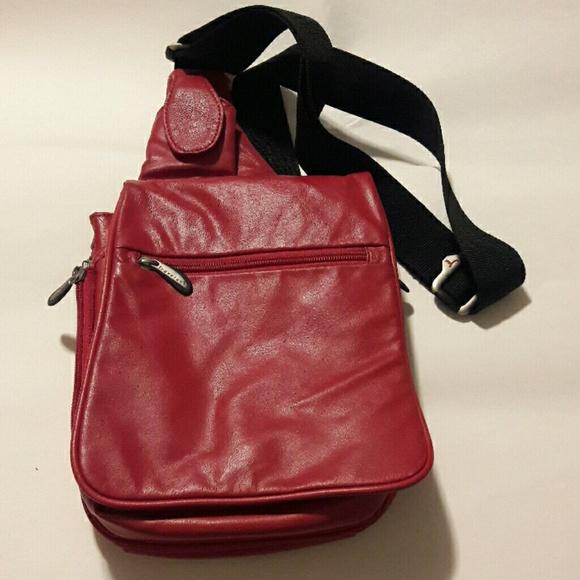 Travelon leather crossbody bag. M 58263cd6f0137db749005820 1e36488f62