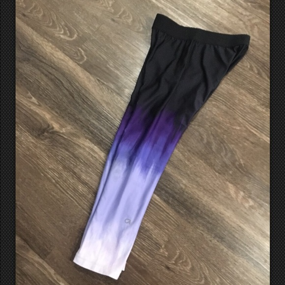 1e5dceb9d87ad3 GAP Pants | Fit Workout Crop Ombre Black Purple Leggings | Poshmark