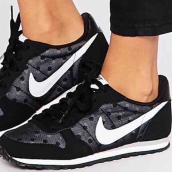 nike roshe black and white cheap, Nike women's wmns genicco
