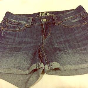 it Pants - IT Jean shorts -size 27- worn 1-2 times