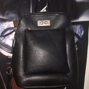 Handbags - Black leather backpack