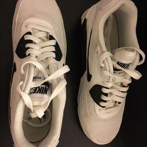 Black & White Nike