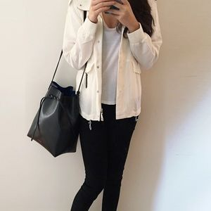 🆕Aritzia white jacket
