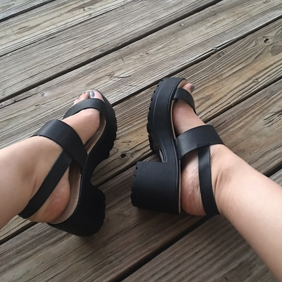 black small platform sandals