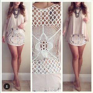 Tops - Crochet back flowy top