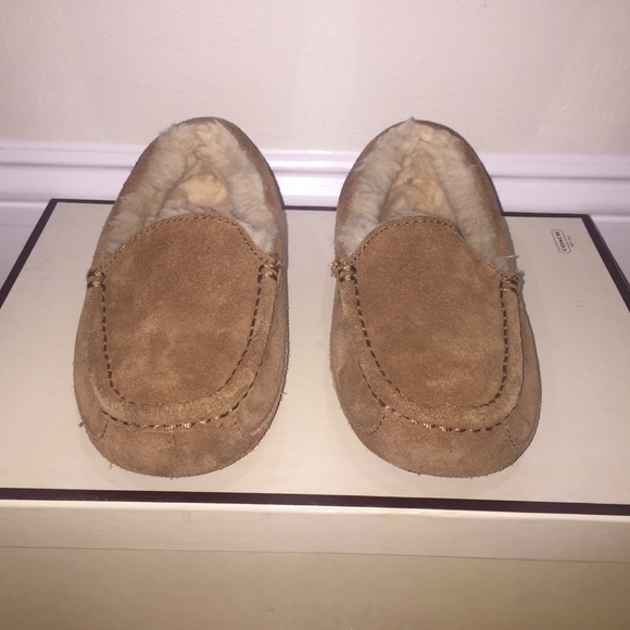 UGG Shoes | Youth Ascot Boys Ugg
