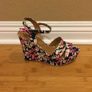 Abound Shoes - Navy Floral Wedge Heels - 6.5