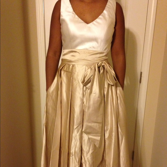 Dresses & Skirts - Stunning tank ball gown with pockets