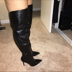 4b126602881 bebe Shoes - Bebe Thigh High Boots