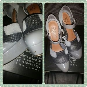 Mrkt Shoes - Sexy Grey Mary Jane Wedge Leather Platforms
