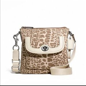 NWT Giraffe design Coach Crossbody handbag