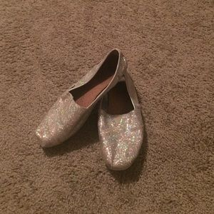 Silver Sparkly Bobs Size 8