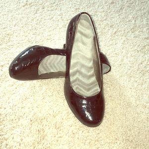 Shoes - Like new shiny black heels