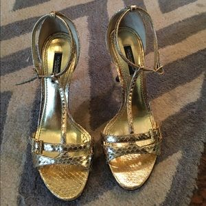 Dolce & Gabbana Shoes - ✨TODAY ONLY✨DOLCE and Gabbana Gold Snakeskin Heels