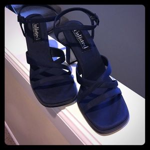 Unlisted Shoes - Unlisted by Kenneth Cole navy SZ 7m satin sandals