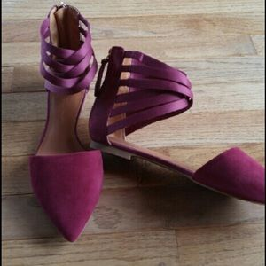 Beautiful Cranberry suede flats