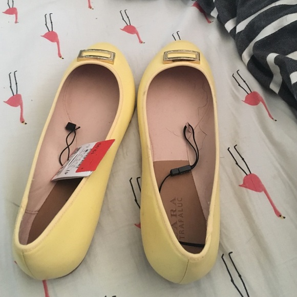 Zara Shoes - NWT Zara flats
