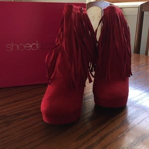 Shoedazzle Shoes - Suede Red ankle boots with fringe