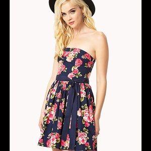 3a09904f8ce5 Forever 21 Dresses - Forever 21 Rosebud Strapless short dress w tie