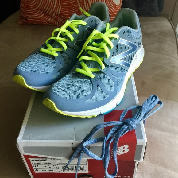 8139bb3198b0 NIB Women s New Balance Vazee Rush Running Shoes. M 58276eefeaf030c0cf03e179