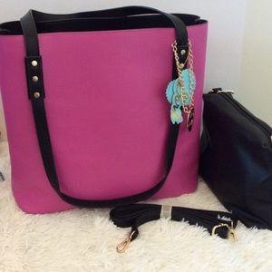 Handbags - 💞💞Magenta & Black Reversible 3-N-1 Tote, NWT