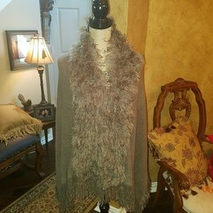 Bellino Clothing Sweaters - 🎈Closet Sale🎈Fluffy Panel Poncho Sweater.