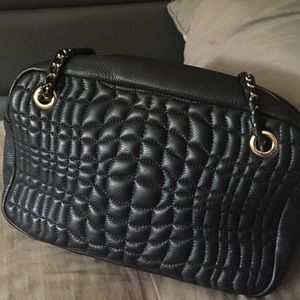 Aimee Kestenberg Handbags - NWOT Aimee Kestenberg quilted leather bag.
