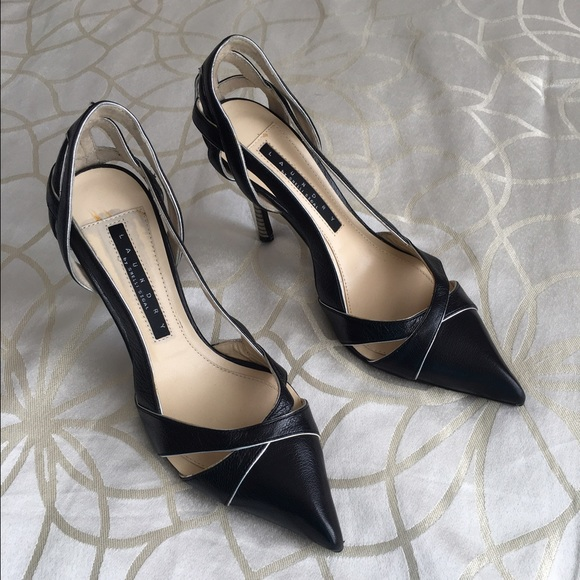 3bbc855e0d8 LAUNDRY by SHELLI SEGAL pointed leather heels 👠