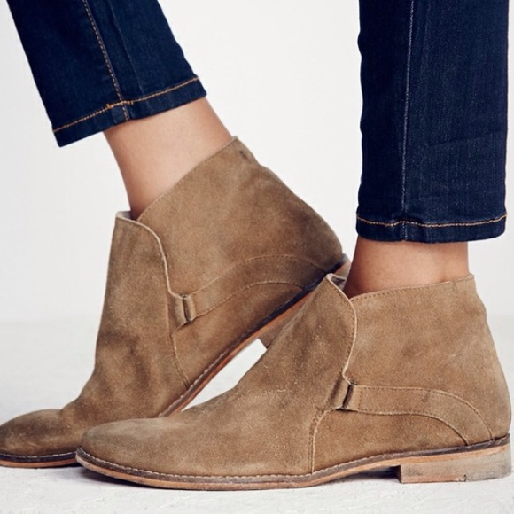 Summit Ankle Boot (Taupe)