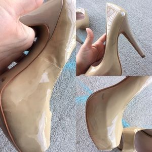Vince Camuto Shoes - Nude Heels