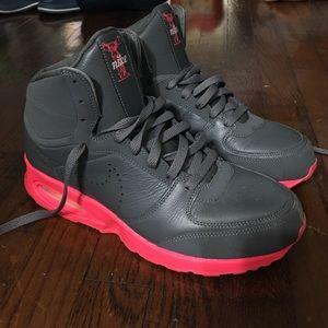Men's high top Nike sneakers