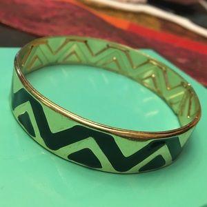 Jewelry - 🌟Thick gold tone bangle 🌟