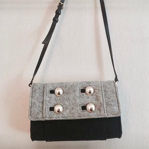 kate spade Handbags - Final Markdown KATE SPADE Crossbody Bag ♠️