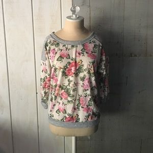 Sweaters - Floral pullover sweater