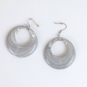 DYTt2 White and Grey zebra thick plastic earrings