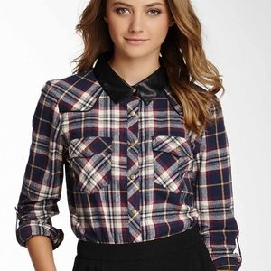 BNWT Olive & Oak flannel top with faux leather