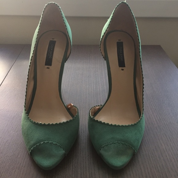 97159da852b Green Velvet Heels ✳ Zara Basic Collection. M 5827b0ae3c6f9f0fc404c314